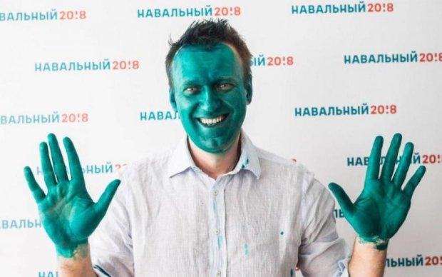 Глава штаба Навального умудрился обесчестить гигантскую статую