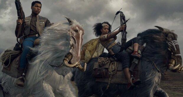 """Дарт Вейдер, Лея Органа, Чубакка та інші: в мережі показали постери нового епізоду """"Зоряних воєн"""""""