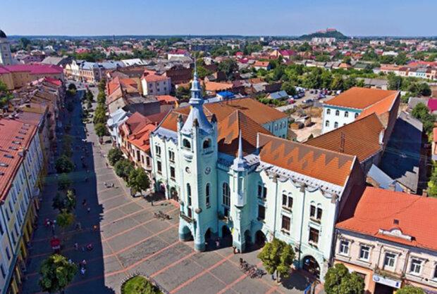 Мукачево, фото з вільних джерел