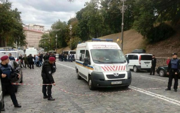 Луценко сообщил новые подробности взрыва на Грушевского