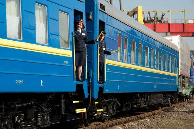 В Одессе поезд ехал с трупом подростка на крыше