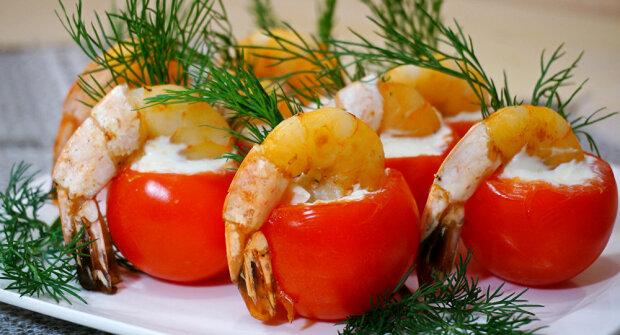 Помідори чері з креветками закохають у себе з першого погляду - апетитна закуска, як у ресторані