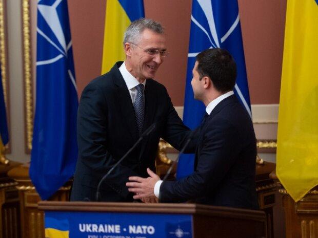 """У Зеленського знайшли, що сказати НАТО: """"Не потрібно сором'язливо мовчати"""""""