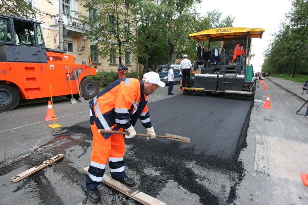В Днепре ремонтируют 9 дорог: куда лучше не соваться