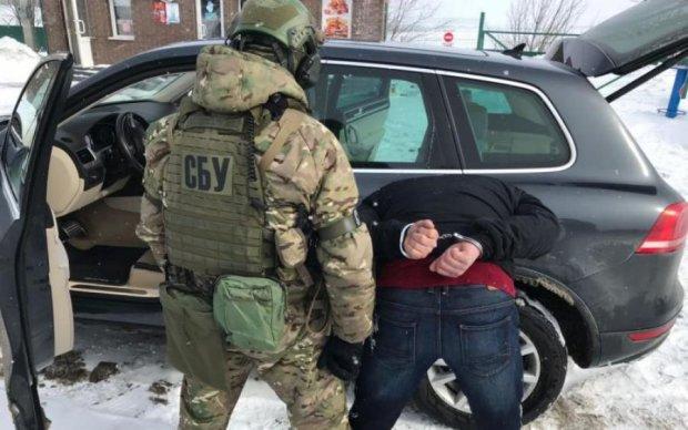 """Скрывался в родном городе: СБУ задержала опасного боевика """"ДНР"""""""