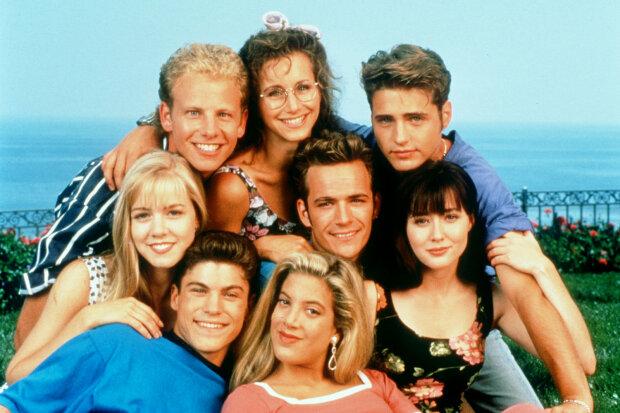 """Жуткая болезнь забрала жизнь звезды сериала """"Беверли-Хиллз, 90210"""": скрывал даже от друзей"""