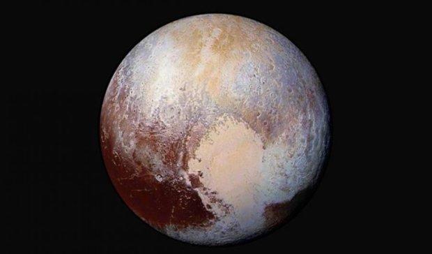 Красные пятна Плутона могут быть океаном - ученые (фото, видео)
