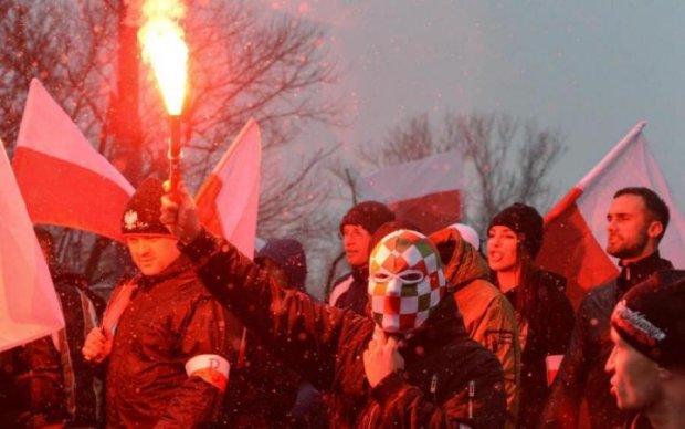 Українська ганчірка: польський дипломат відкрито поглумився над святинею