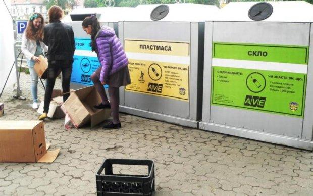 Украинцев заставят перебирать мусор