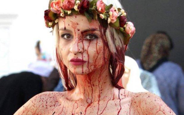 Активистка Femen: Власть не должна вмешиваться в вопросы женского тела!
