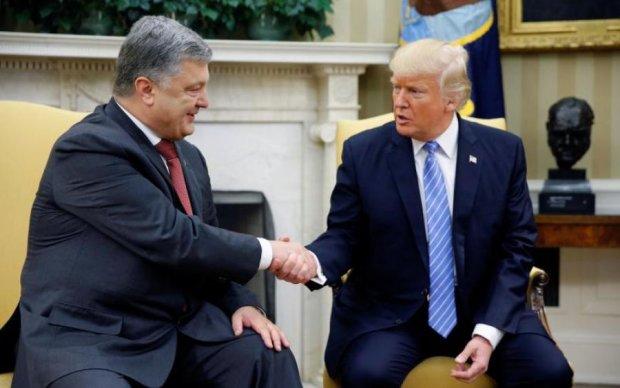 Порошенко и Трамп перекинутся парой слов на полях НАТО