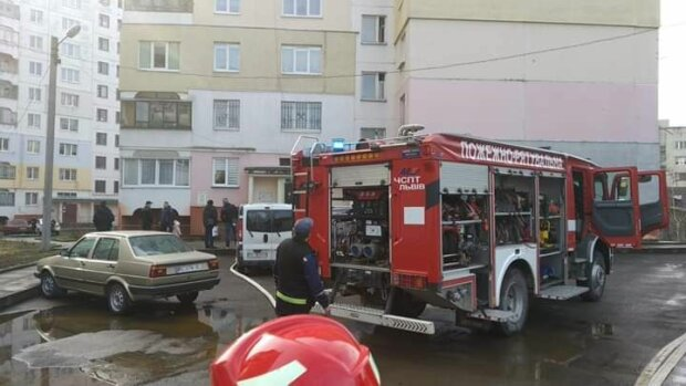 У Львові палаюча пральна машинка відкрила портал в пекло