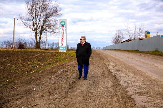 """Поплавский нажил серьезные проблемы из-за скандальных снимков: """"взялись очень серьезно"""""""
