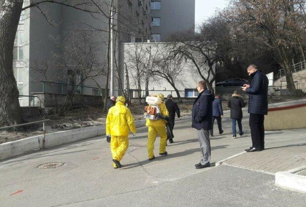 Тренировка защиты от коронавируса в Киеве, фото: Знай. ua