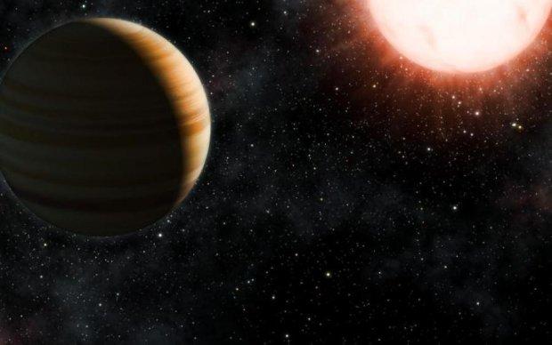NASA показало, как штормит Юпитер