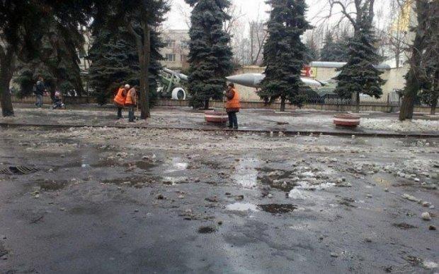 Викинули на вулицю: в Одесі комунальник замерз на смерть