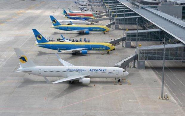 Самолет из России экстренно сел в Одессе