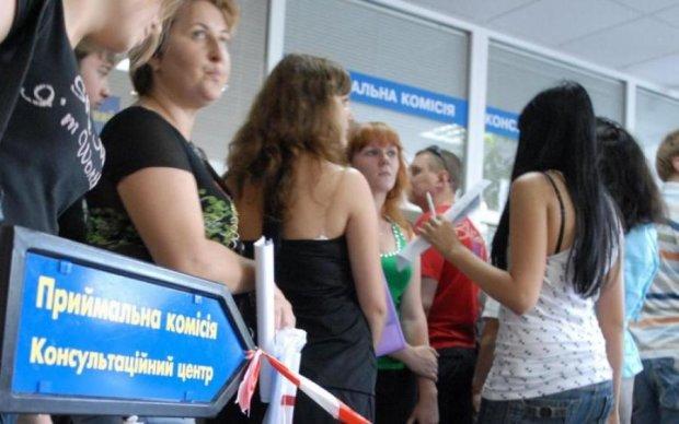 Дівчата vs хлопці: хто краще знає українську