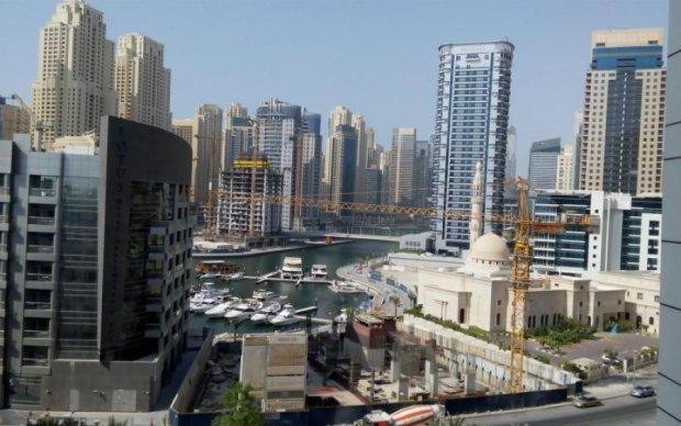 Адское пламя охватило высотку в ОАЭ: первые кадры