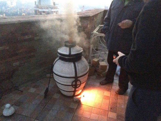 Вогнища для шашликів розпалюють у квартирах