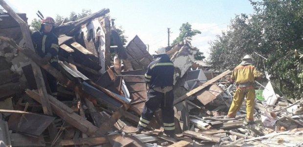Київщина здригнулася від потужного вибуху: рятувальники розгрібають завали у пошуках тіл