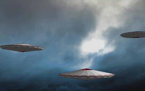 Відразу три НЛО вдалося зняти в одному з найтаємничіших районів Землі