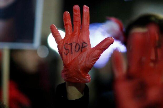 Акция против домашнего насилия, фото: Reuters