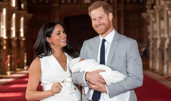 Елизавета II проигнорирует важнейшее событие в жизни Маркл и принца Гарри: почему такая немилость