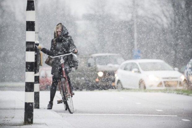 Репетиция зимы: на Львов надвигается шторм со снегом, - спасатели предупредили об опасности