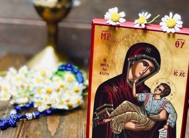 Господи, спаси моє дитя: потужна молитва за здоров'я найрідніших
