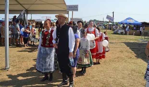 Москаль погуляет на закарпатском свадебном фестивале (фото)
