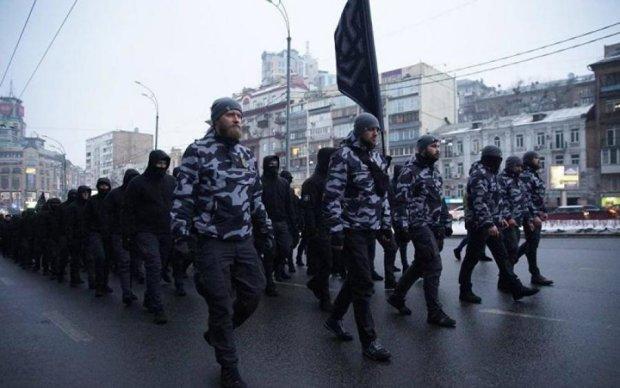 Мелкие тираны: стало известно, откуда взялись дружины в центре Киева