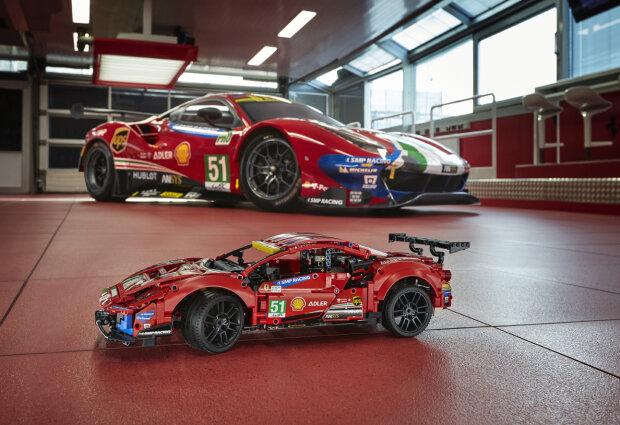 Ferrari, cascoops