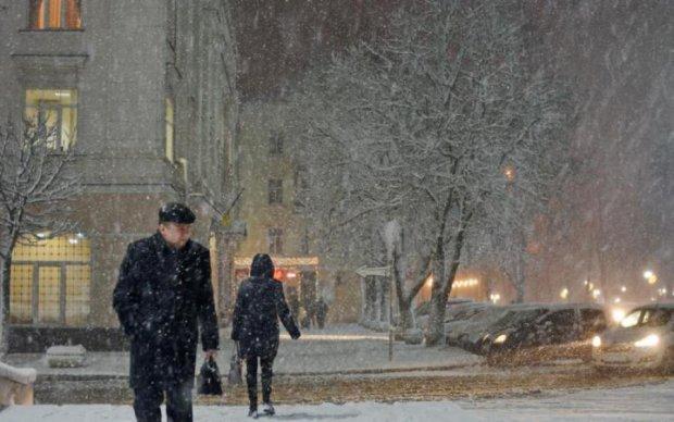 Червоний сніг в Україні: експерти назвали причину жахливої аномалії