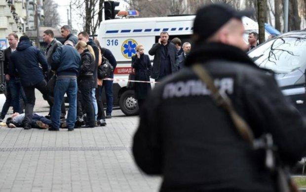 Криваве вбивство у центрі Києва: опубліковані фотороботи злочинців