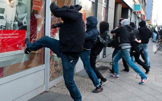 Безжалостный погром в Киеве: столицу ровняют с землей