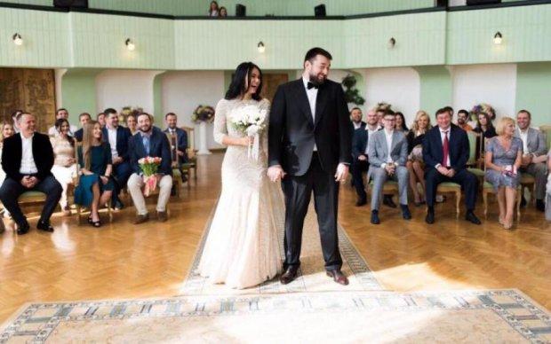 Чергова зрада: російський бізнесмен добре заробив на весіллі сина Луценка