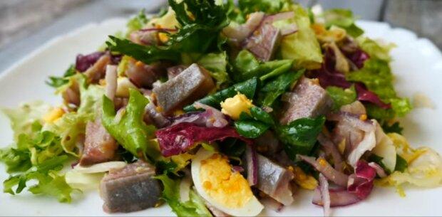 Салат с селедкой, фото: скриншот из видео