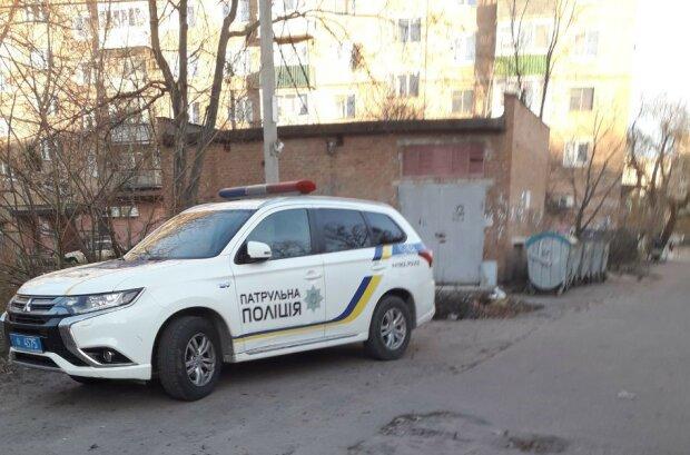 """Во Львове схватили киевлянина в """"шапке Сталина"""" - может сесть на нары на пять лет"""