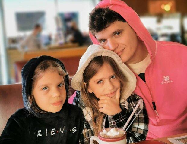 Анатолій Анатоліч з доньками, фото Інстаграм