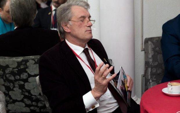Ющенко застали без одежды в неожиданном месте: фото