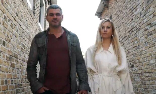 Скрін, відео YouTube Мірзоян з дружиною