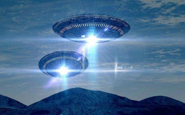 Фотограф зняв НЛО, що злітають з Землі: відео