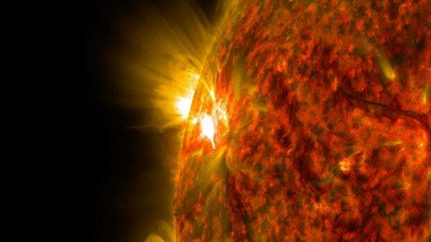 Вчені попередили про надпотужні сонячні спалахи, які загрожують людству: вже у грудні