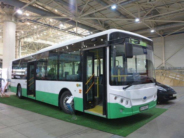 На вулиці Києва випустили перший електробус