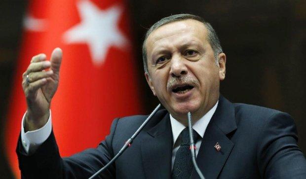 Партия Эрдогана лидирует на выборах в Турции