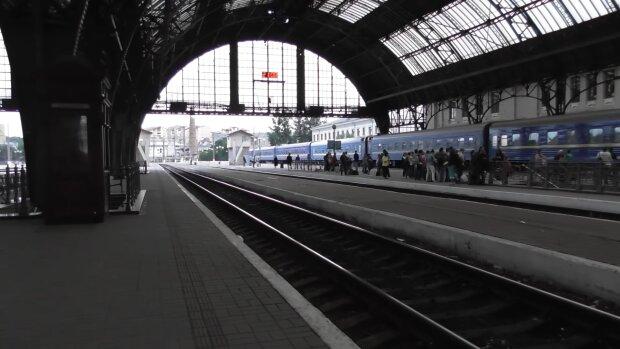 С Прикарпатья вновь запустят поезда на Киев, — во Львове выйти не получится