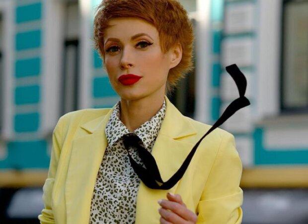 """Голодная Елена-Кристина Лебедь набросилась на решетку: """"Пойду догрызу"""""""