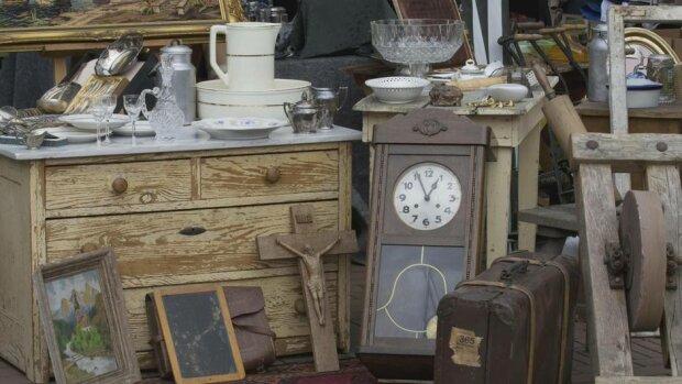 Збагатився завдяки мотлоху: чоловік знайшов у старому годиннику справжній скарб