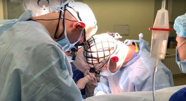 операция, скриншот из видео